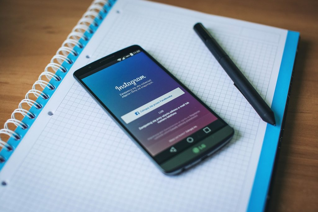 grow your email list using Instagram